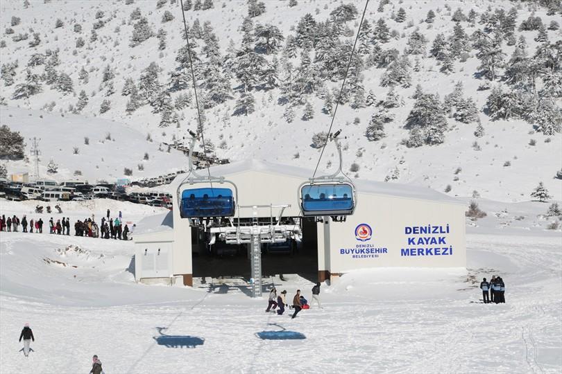 Denizli Nikfer Bozdag kayak merkezi